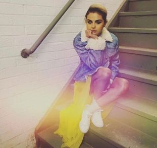70 Ways Selena Gomes Styles with Sneakers Ideas 36