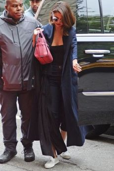 70 Ways Selena Gomes Styles with Sneakers Ideas 43