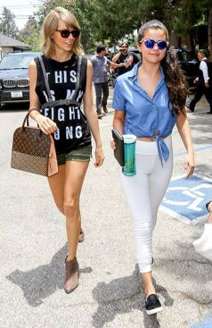 70 Ways Selena Gomes Styles with Sneakers Ideas 60