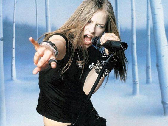90 Old Avril Lavigne Styles Ideas 78