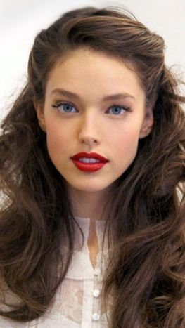30 Simple Long Hairstyles for Party Look Ideas 7