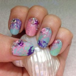 40 Beach Themed Nail Art for Summer Ideas 36