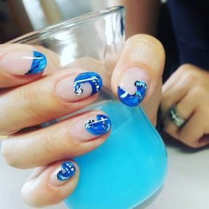 40 Beach Themed Nail Art for Summer Ideas 37