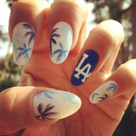 40 Beach Themed Nail Art for Summer Ideas 9
