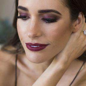 40 Burgundy Makeup Look Ideas 24