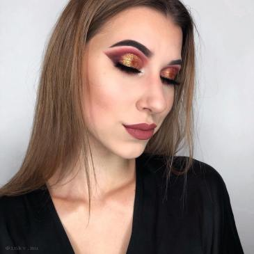 40 Burgundy Makeup Look Ideas 39