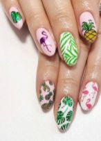 40 Cute Flamingo Themed Nail Art Ideas 12