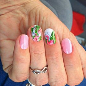 40 Cute Flamingo Themed Nail Art Ideas 26