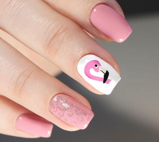 40 Cute Flamingo Themed Nail Art Ideas 27