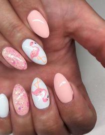 40 Cute Flamingo Themed Nail Art Ideas 44