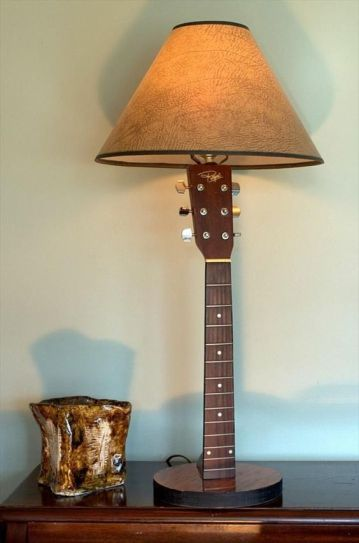 40 DIY Repurpose Old Guitars Ideas 15
