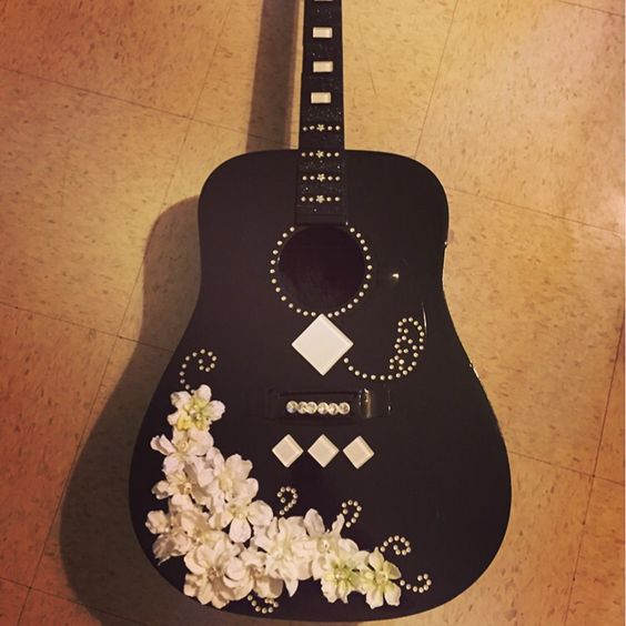 40 DIY Repurpose Old Guitars Ideas 2 – Style Female