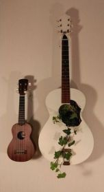 40 DIY Repurpose Old Guitars Ideas 22