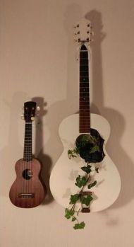 40 DIY Repurpose Old Guitars Ideas 22