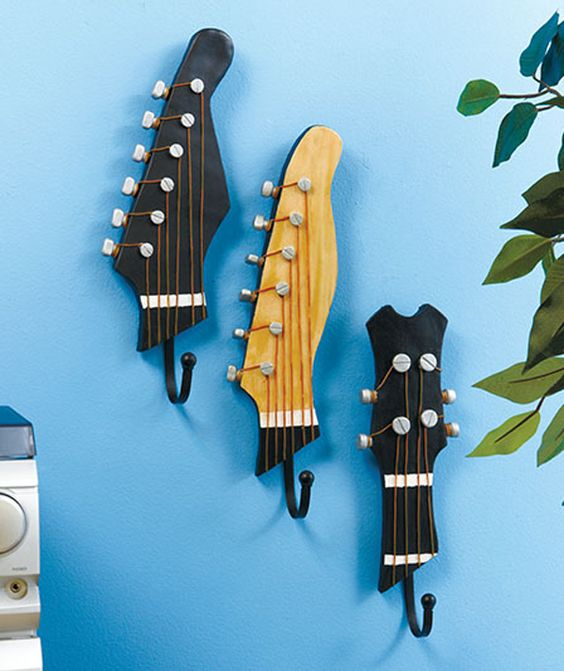 40 DIY Repurpose Old Guitars Ideas 24