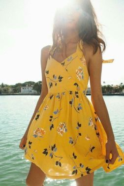 40 Fashionable Floral Print Dresses for Summer Ideas 14