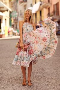 40 Fashionable Floral Print Dresses for Summer Ideas 7