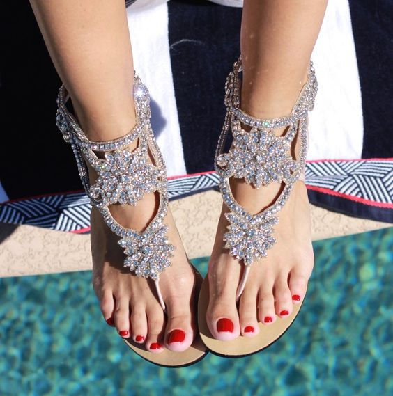 40 Glam Flat Sandals for Summer Ideas 1