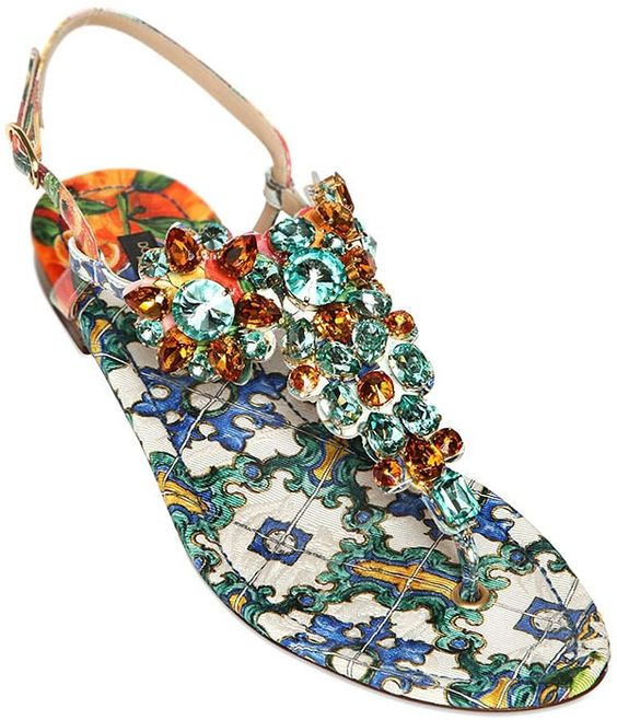 40 Glam Flat Sandals for Summer Ideas 20
