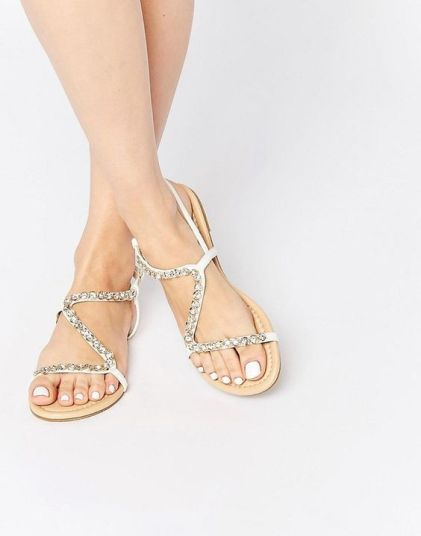 40 Glam Flat Sandals for Summer Ideas 32
