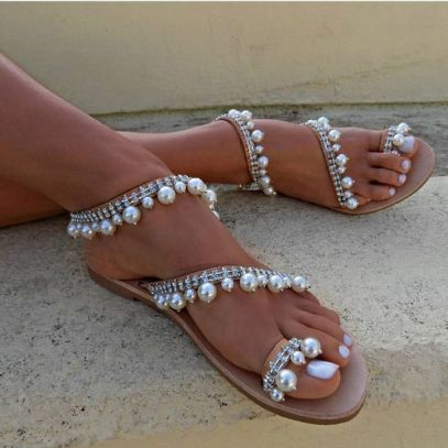 40 Glam Flat Sandals for Summer Ideas 33
