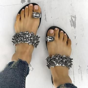 40 Glam Flat Sandals for Summer Ideas 34