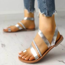 40 Glam Flat Sandals for Summer Ideas 35