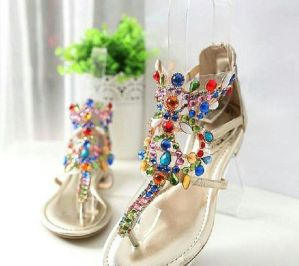 40 Glam Flat Sandals for Summer Ideas 4