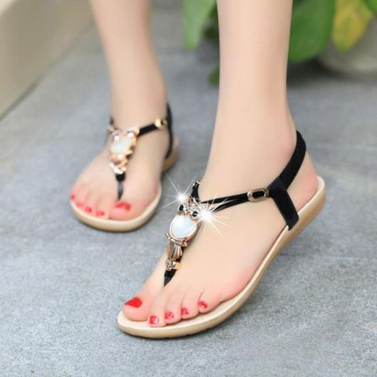 40 Glam Flat Sandals for Summer Ideas 41