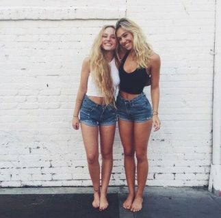 40 Hot pants Outfits for Perfect Summer Ideas 24