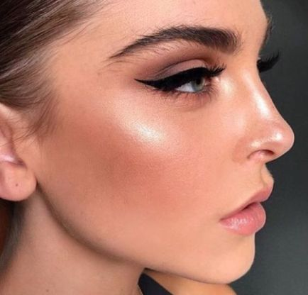 40 Simple Winged Eyeliner You Should to Copy 1