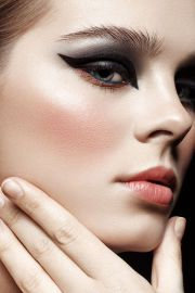 40 Simple Winged Eyeliner You Should to Copy 11