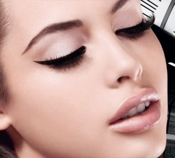 40 Simple Winged Eyeliner You Should to Copy 23