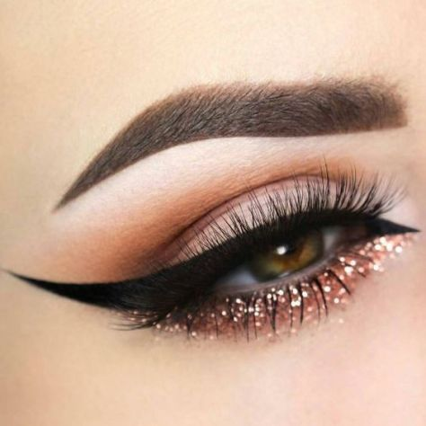 40 Simple Winged Eyeliner You Should to Copy 33