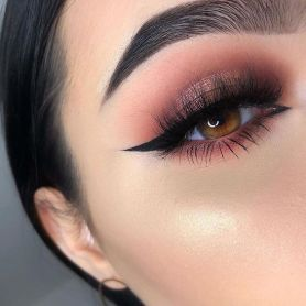 40 Simple Winged Eyeliner You Should to Copy 44