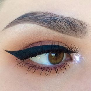 40 Simple Winged Eyeliner You Should to Copy 7