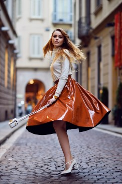 40 Stylish Orange Outfits Ideas 14