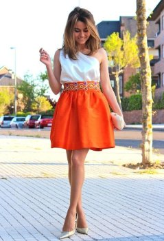 40 Stylish Orange Outfits Ideas 23