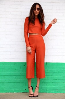 40 Stylish Orange Outfits Ideas 34