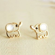 40 Tiny Lovely Stud Earrings Ideas 15