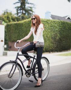 40 Ways to Wear Trendy Fanny Packs for Summer Ideas 15