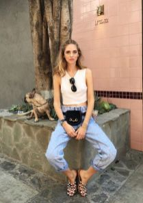 40 Ways to Wear Trendy Fanny Packs for Summer Ideas 21