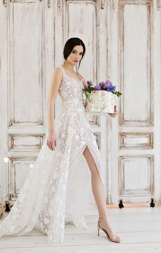 50 Bridal Dresses with Perfect Split Ideas 46
