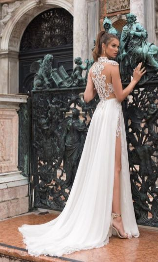 50 Bridal Dresses with Perfect Split Ideas 9