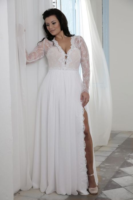 50 V Neck Bridal Dresses for Plus Size Ideas 39
