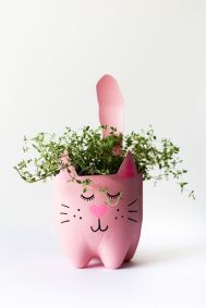 50 Ways to Reuse Plastic Bottles to Cute Planters Ideas 16 3