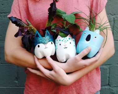 50 Ways to Reuse Plastic Bottles to Cute Planters Ideas 31