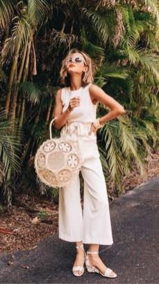 50 Ways to Wear White Sleeveless Top Ideas 11