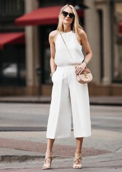 50 Ways to Wear White Sleeveless Top Ideas 17