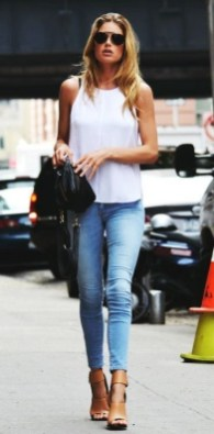 50 Ways to Wear White Sleeveless Top Ideas 22